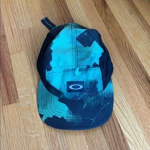 Boys Oakley hat
